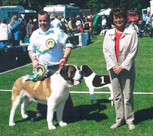 utillo winning Best in Show under kari